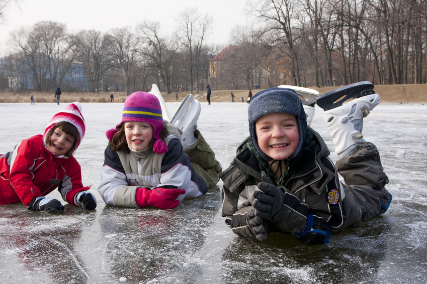 Photo of kids on an ice rink